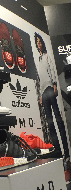 mural show room adidas