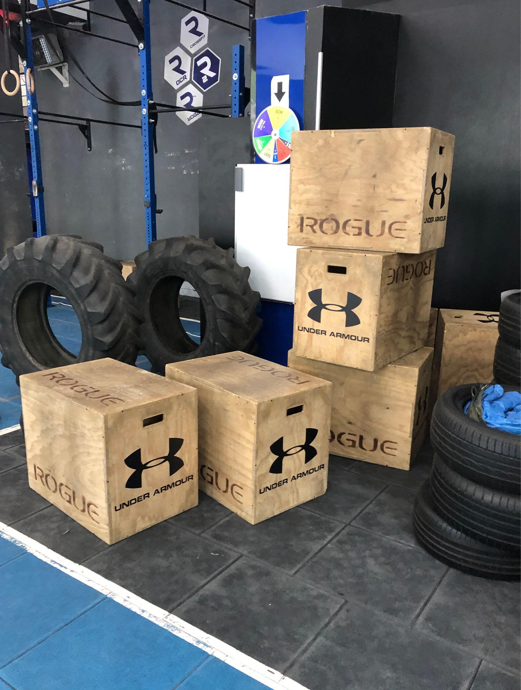BOX UNDER ARMOUR R2